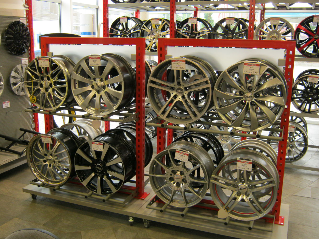 Aluminum wheels showroom