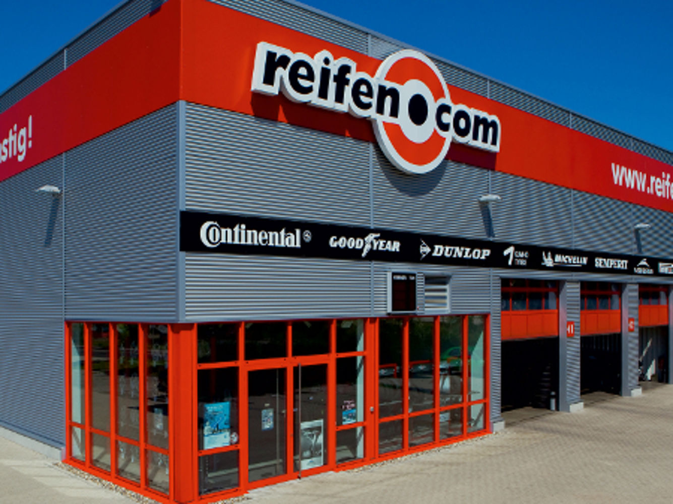 reifenservice reifencom gmbh in kassel markenreifen komplettr der und felgen. Black Bedroom Furniture Sets. Home Design Ideas
