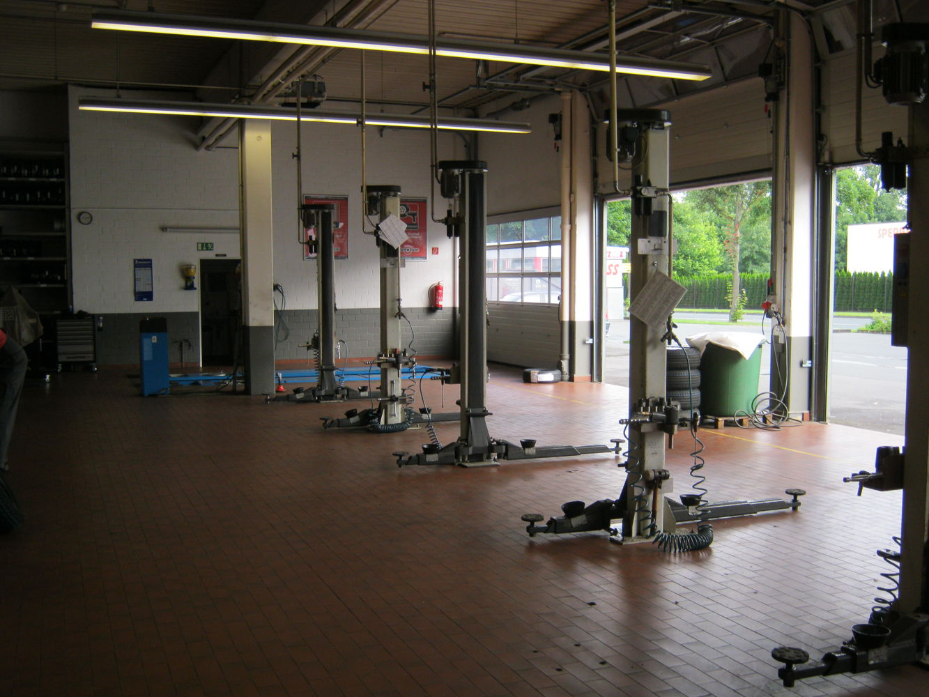 Lifting platforms